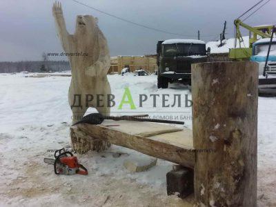 Резные фигуры из дерева